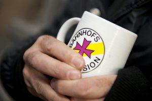 In der Bahnhofsmission gibt es einen Kaffee und Rat für Menschen in Not